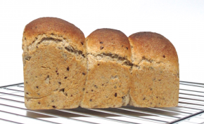 Whole Wheat Tong Zhong Bread with Flaxseed – ขนมปังโฮลวีตและเมล็ดแฟล็กซ์เนื้อนุ่มแบบญี่ปุ่น